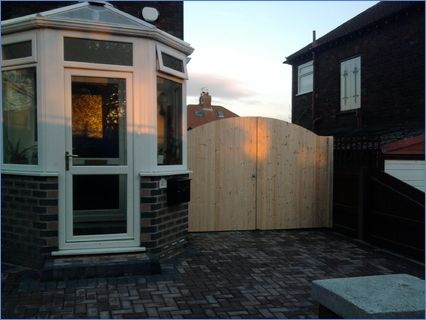 DOUBLE ARCHED DOORS AND FRAME