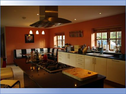 Kitchen decorated by Phd Homes