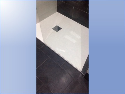Wet room style shower tray with chrome s