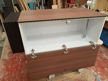 Mini locker cabinet reinforced with tres
