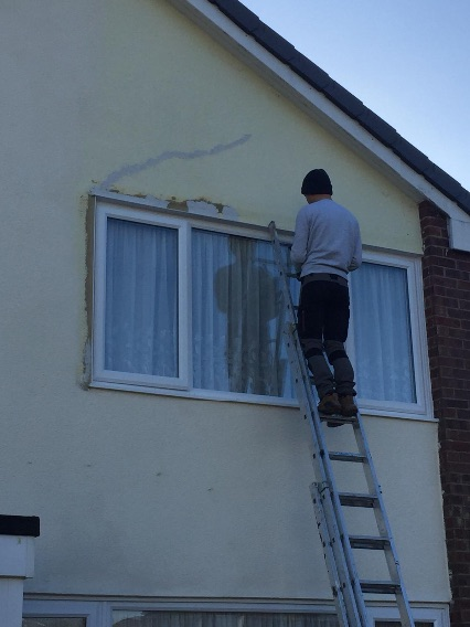 Repairing cracked damaged render